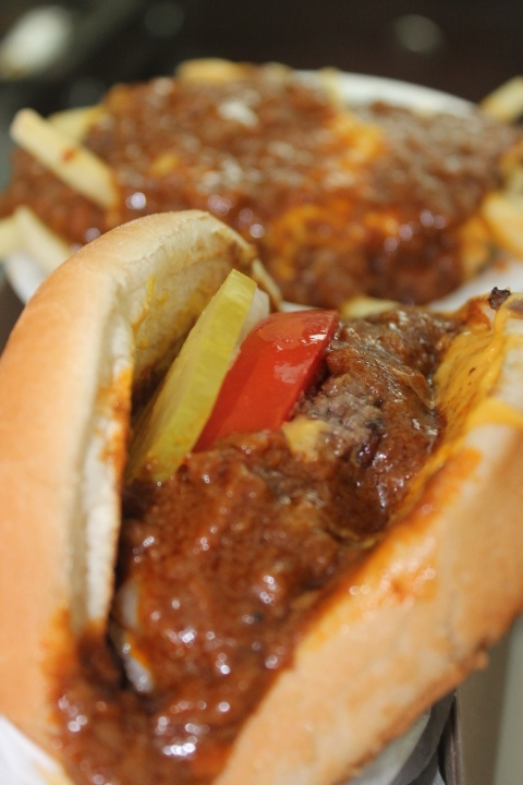 Best chili cheeseburgers in los angeles